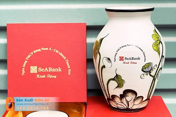 Giải pháp quà tặng đại hội đoàn thanh niên từ quà tặng gốm sứ in logo theo yêu cầu